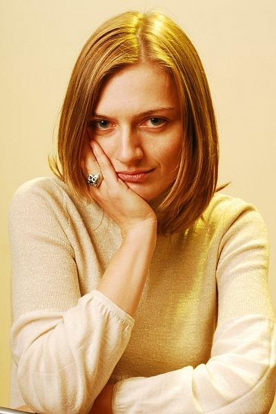 Studio portrait: Anca