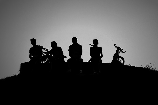 of men and bikes