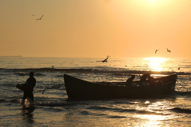 Two mornings with fishermen