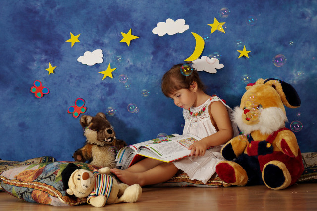 reading books with friends