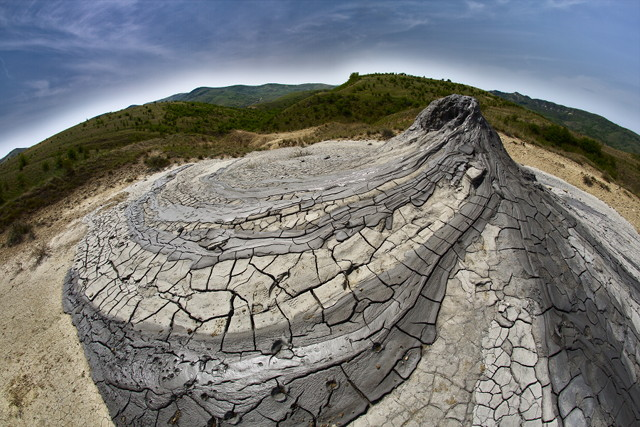 Spiral volcano